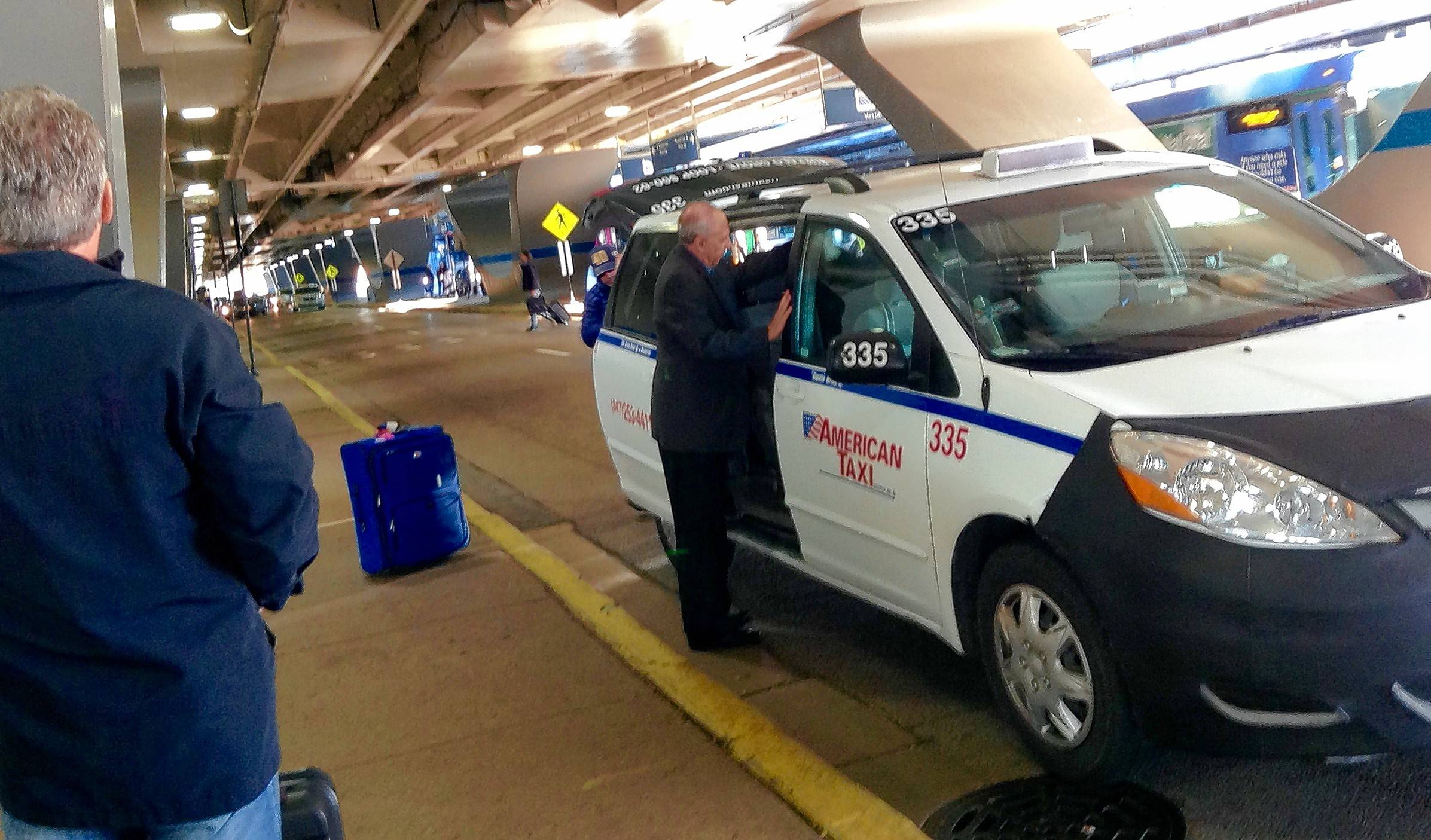 Uber-high stakes: Taxi/ride-share wars pulling up at O'Hare