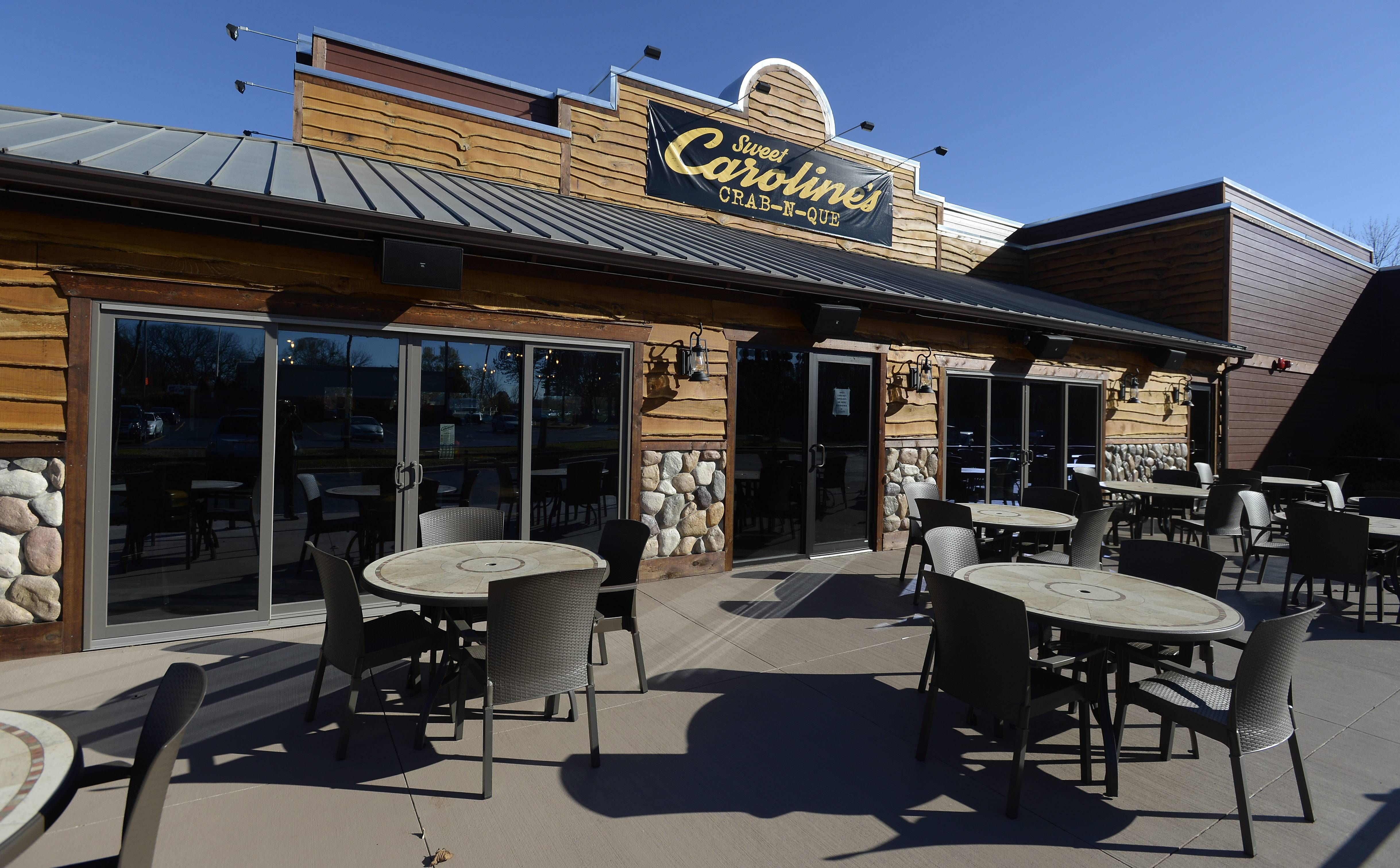 Sweet Caroline's Crab-N-Que will be opening Friday at Higgins and Barrington roads in Hoffman Estates.