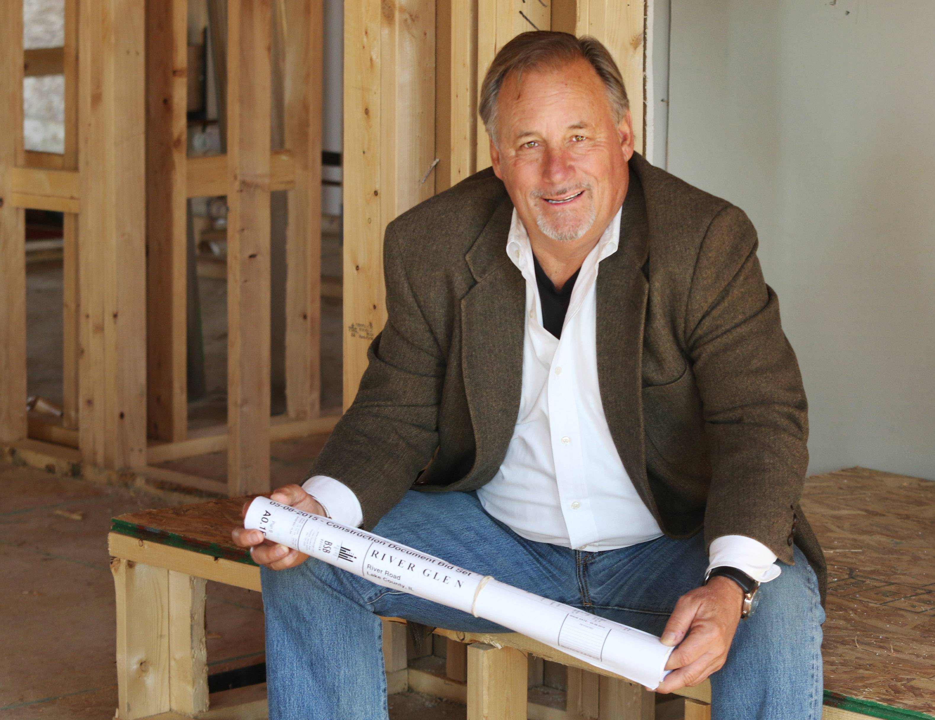 Mark Loeb's company, River Glen Custom Homes in Waukegan, is building a new residential community in Libertyville.