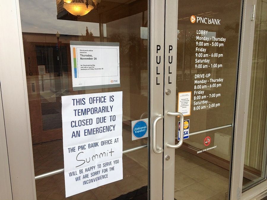 Robber strikes at PNC Bank in downtown Elgin