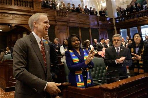 Rauner faces challenges in move to block Syrian refugees