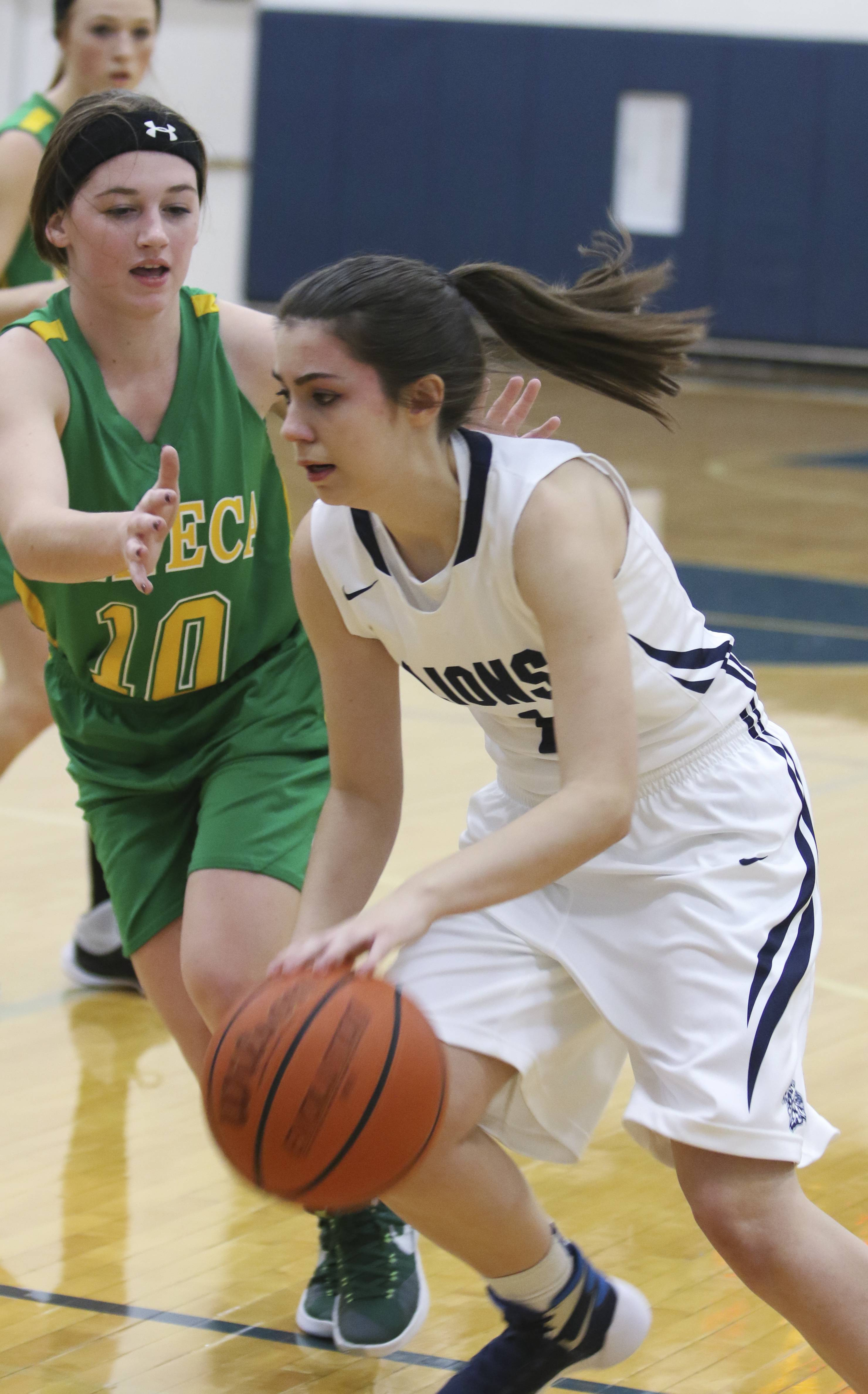 Cyranoski, Lisle get drop on Seneca