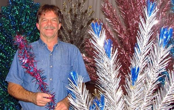 dave harms and his vintage aluminum tree will be featured at the mchenry county historical societys