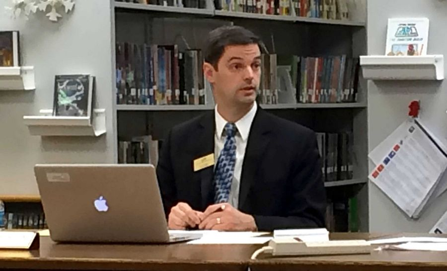 Lincolnshire-Prairie View School District 103 Superintendent Scott Warren discusses a plan to change school start times at Tuesday night's board meeting.