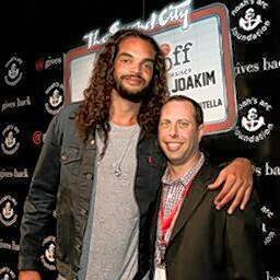 Ben Niernberg, right, with Joakim Noah, center for the Chicago Bulls, at a recent fundraiser.