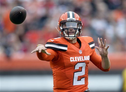 e41805b178b Cleveland Browns quarterback Johnny Manziel throws during the first half of  an NFL football game against
