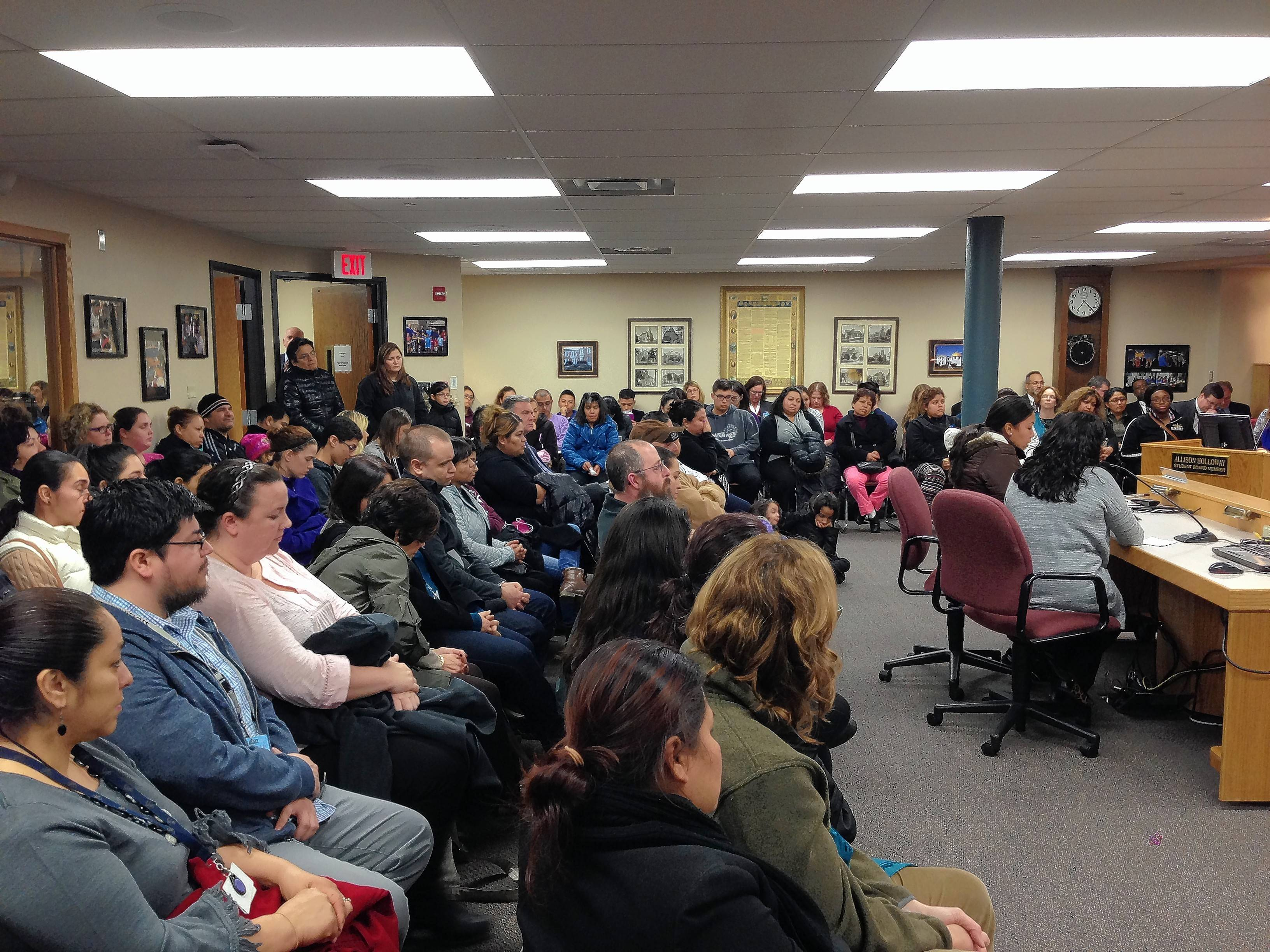 U-46 OKs new boundaries despite Latino parents' objection