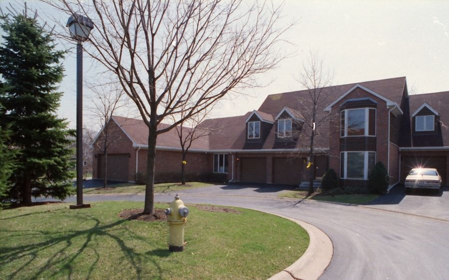 Donnie Rudd is a suspect in a 1991 murder that took place at this Arlington Heights condominium complex.