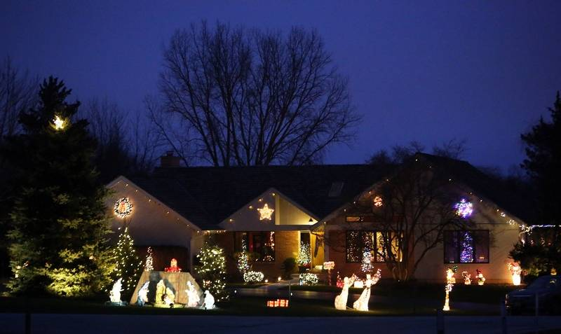 Holiday Lights Contest Hawthorn Woods Home Wins Editors