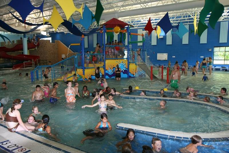 the water works in schaumburg - Cool Indoor Pools With Slides