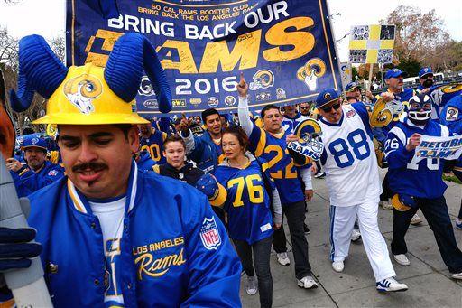 La Rams Fans Rally At Coliseum To Demand Team S Return