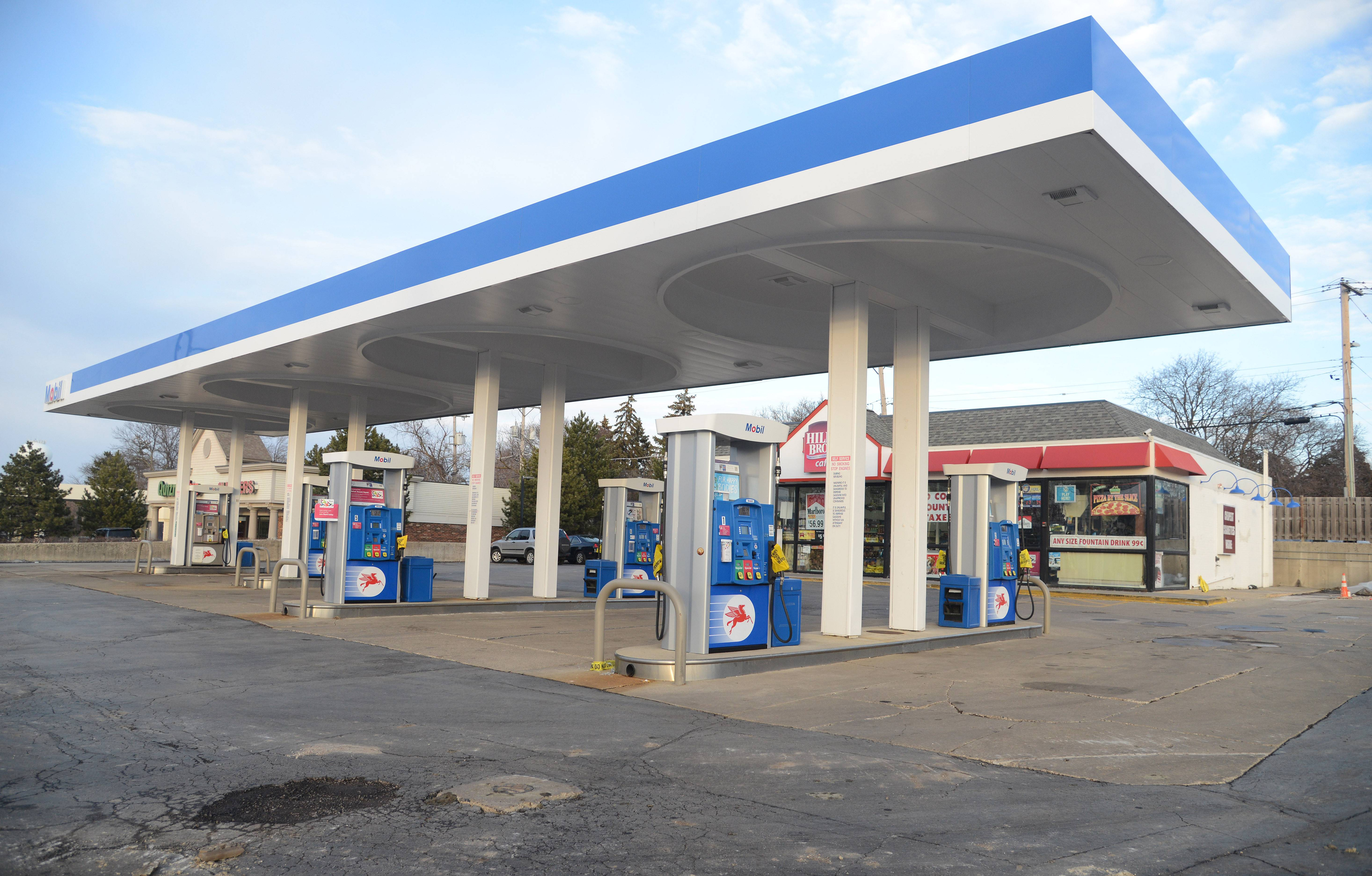 Barrington Mobil that leaked fuel cleared to reopen