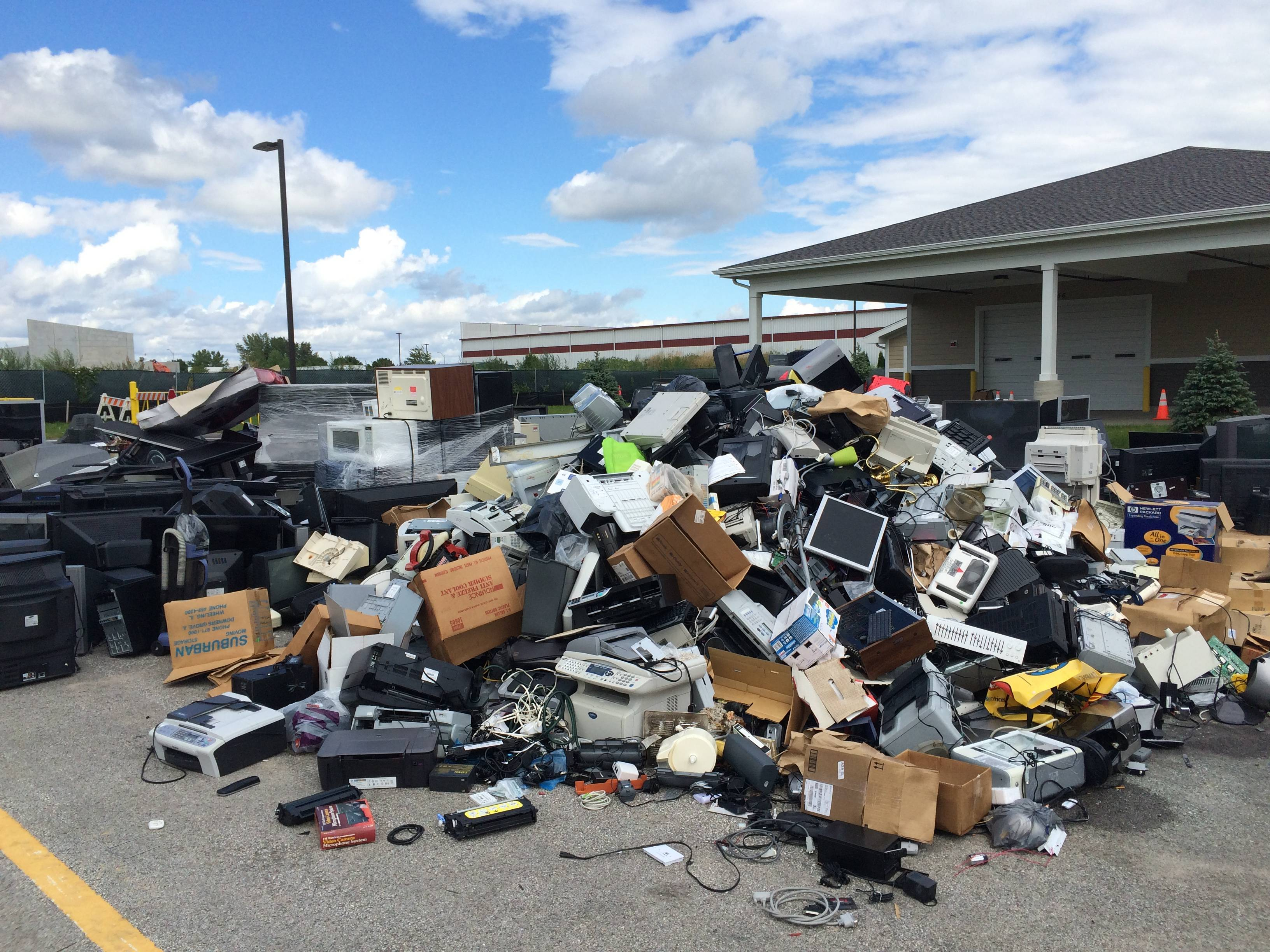 Illinois Electronics Store Does Recycling Right   RecycleNation