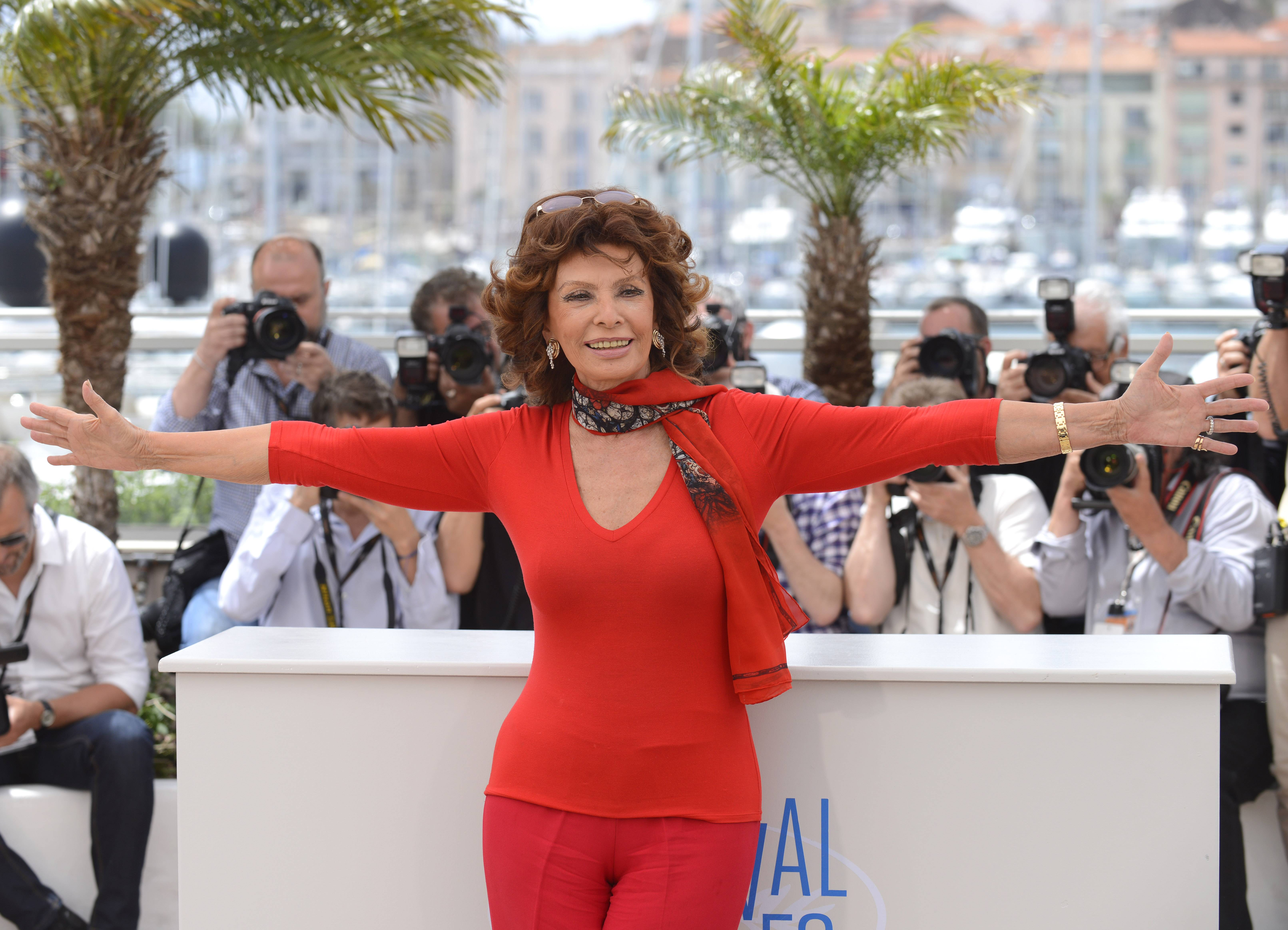 Lester: After 10-year quest, Onesti lures Sophia Loren to appear