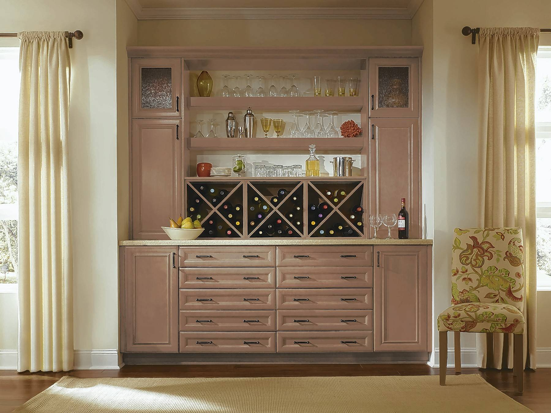 By designing new custom cabinets, you can upgrade your home and add a personalized touch.