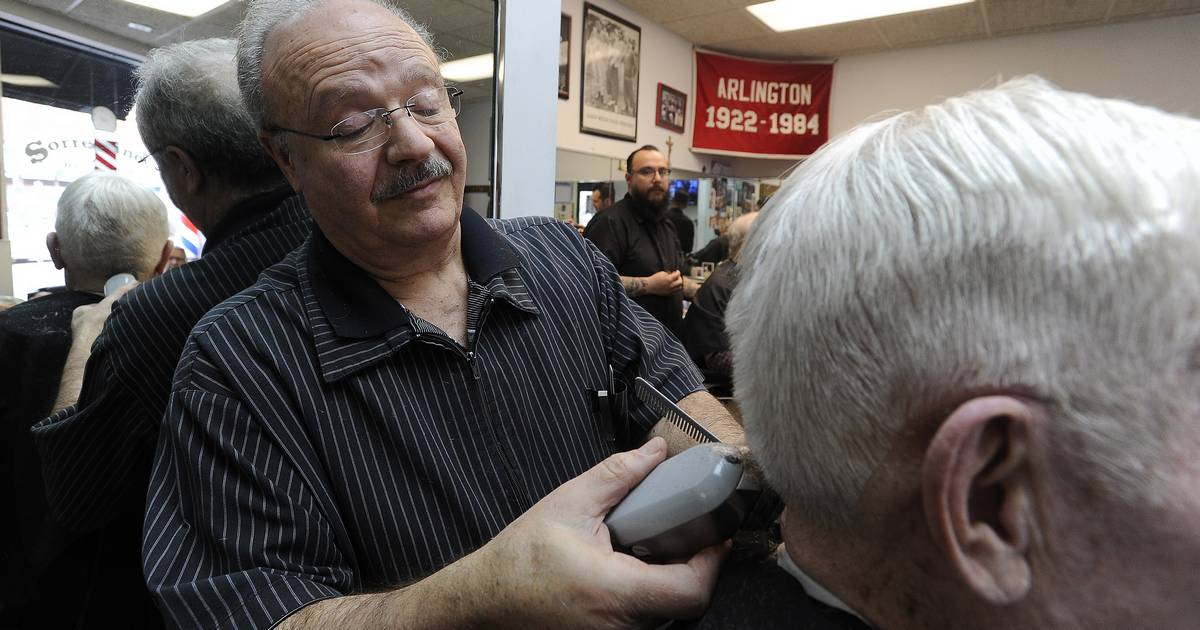 Constable The Hair Arlington Heights Barber Has Seen In 50 Years