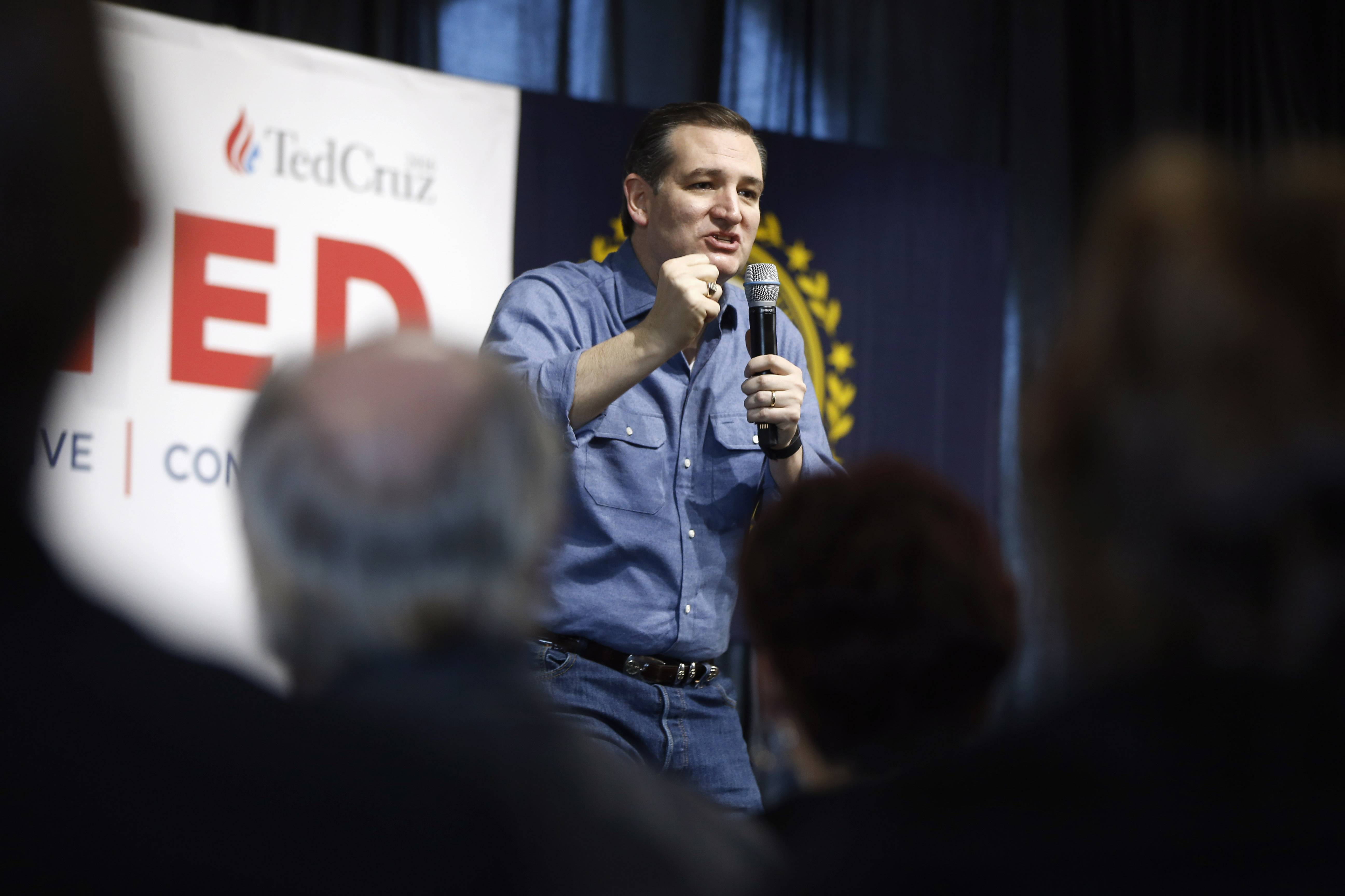 Texas Sen. Ted Cruz is scheduled to headline a suburban event days before Illinois' March 15 primary.