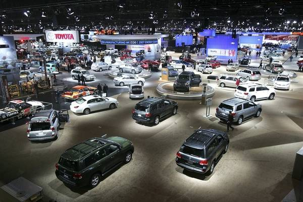 Pyke Hot Cars Cheap Gas High Energy At Chicago Auto Show - Mccormick place car show