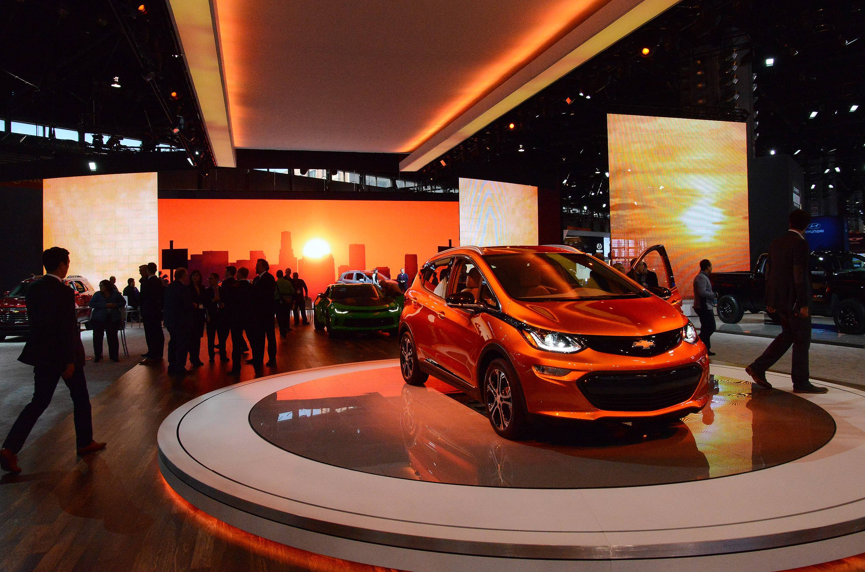2017 Chevy Bolt electric at the 2016 Chicago Auto Show.