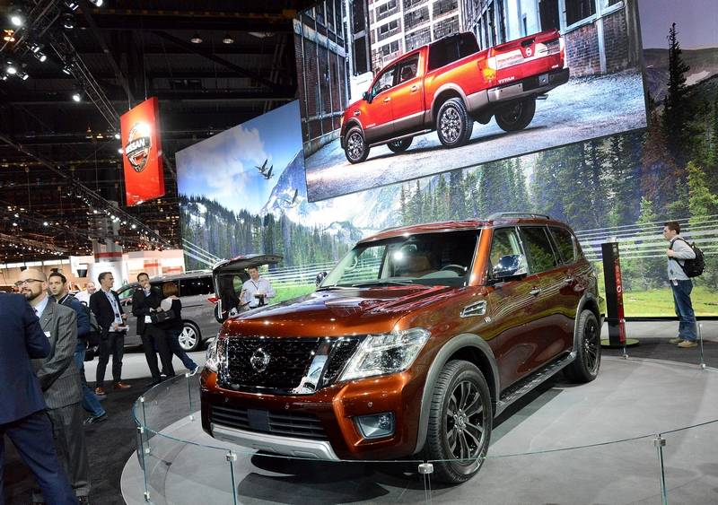Chicago Auto Show Debuts Hot New Cars But Dealers Thinking SUVs - Chicago auto show car deals
