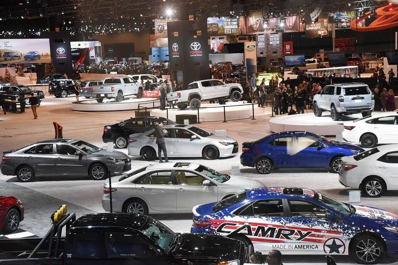 Images Shiny New Cars And Trucks Debut At The Chicago Auto Show - Chicago car show
