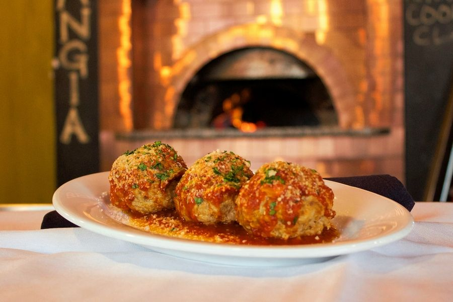 Head up to Kenosha, Wis., to find out what restaurants like Mangia Wine Bar have to offer during Downtown Kenosha Restaurant Week Feb. 20-28.