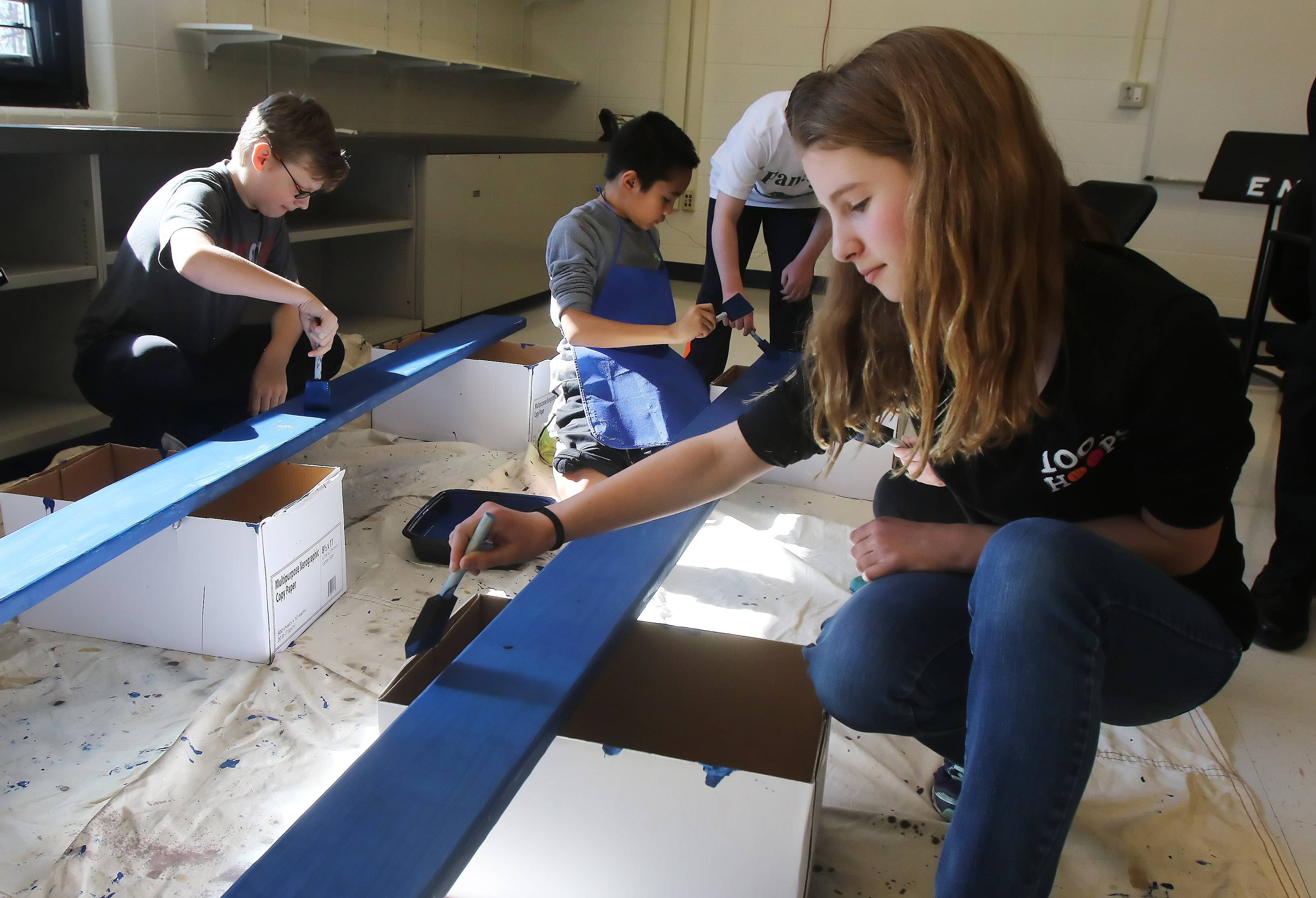 Vernon Hills' school Buddy Bench to help lonely students make friends