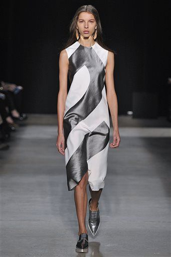 In this Feb. 16, 2016 photo released by Narciso Rodriguez, fashion from the Narciso Rodriguez Fall-Winter 2016 collection is modeled during Fashion Week in New York. (Ze Takahashi/Narciso Rodriguez via AP)