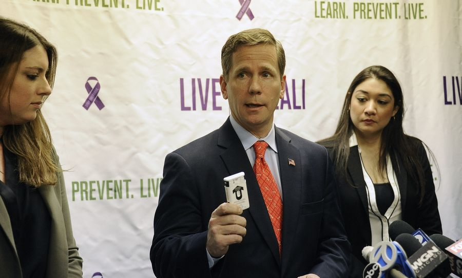 U.S. congressman Robert Dold introduces a federal bill Monday modeled after an Illinois effort to increase availability of a heroin overdose antidote called naloxone. Called Lali's Law, the bill is named in honor of Alex Laliberte, a Stevenson High School graduate who died of a heroin overdose in 2008.