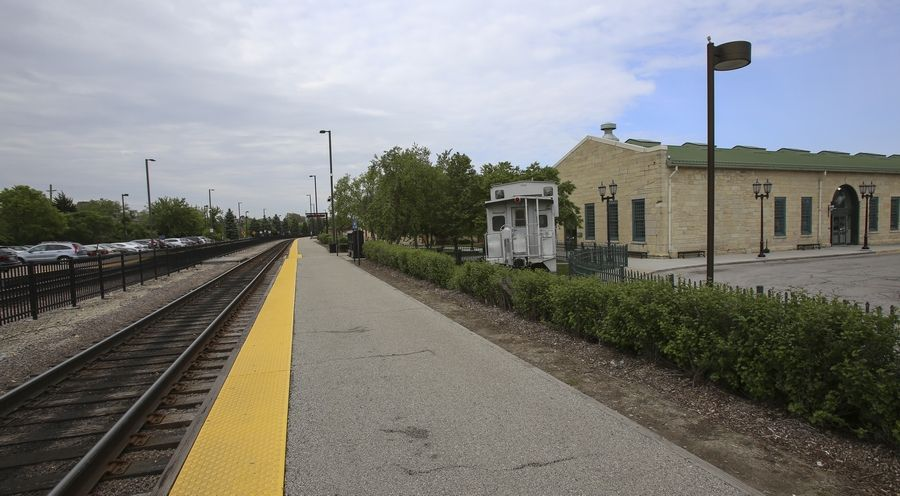 The BNSF Metra Line ends in Aurora, but that could change.
