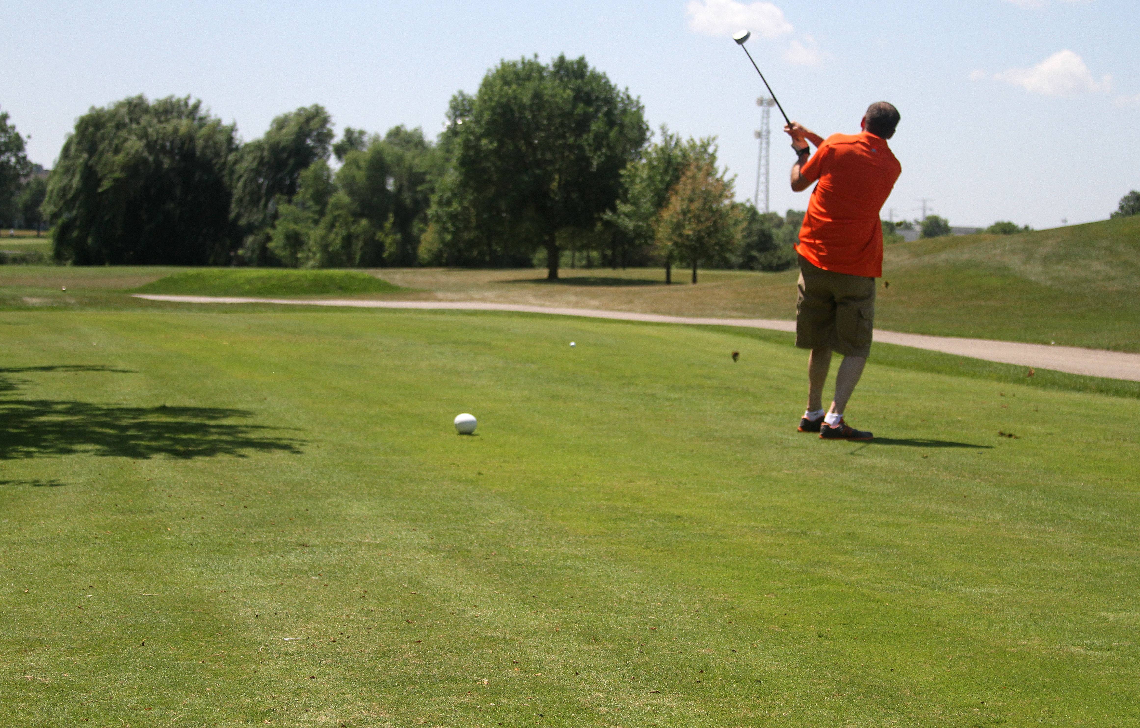 Suburban golf courses losing money for taxpayers