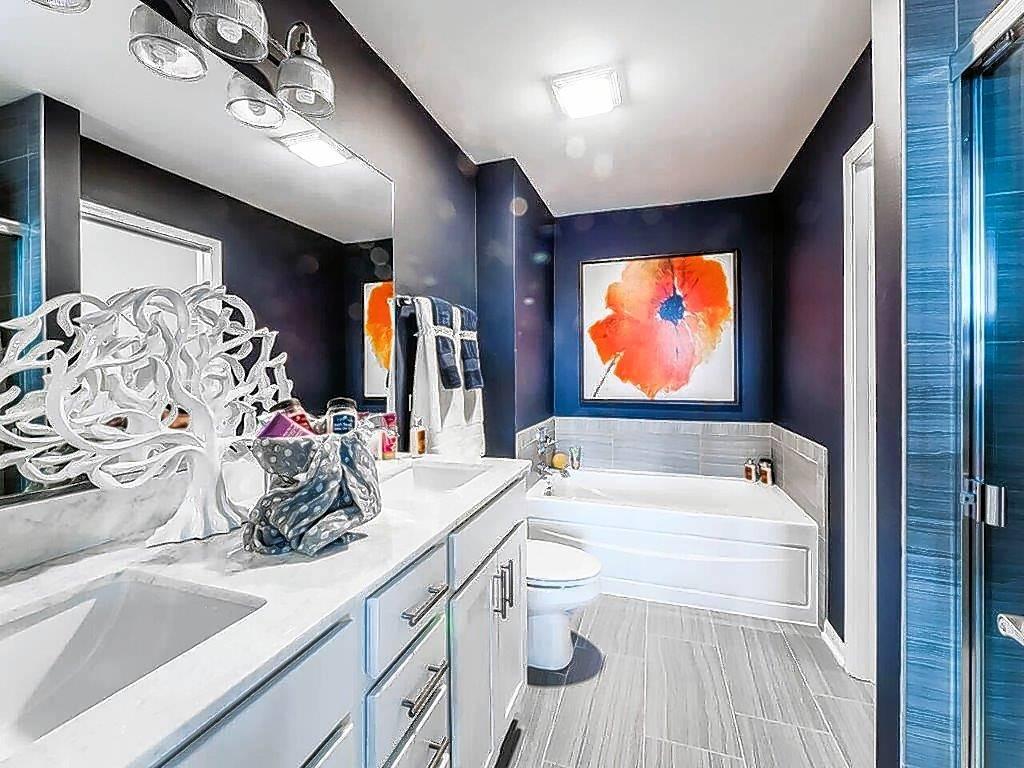 Model homes master bath