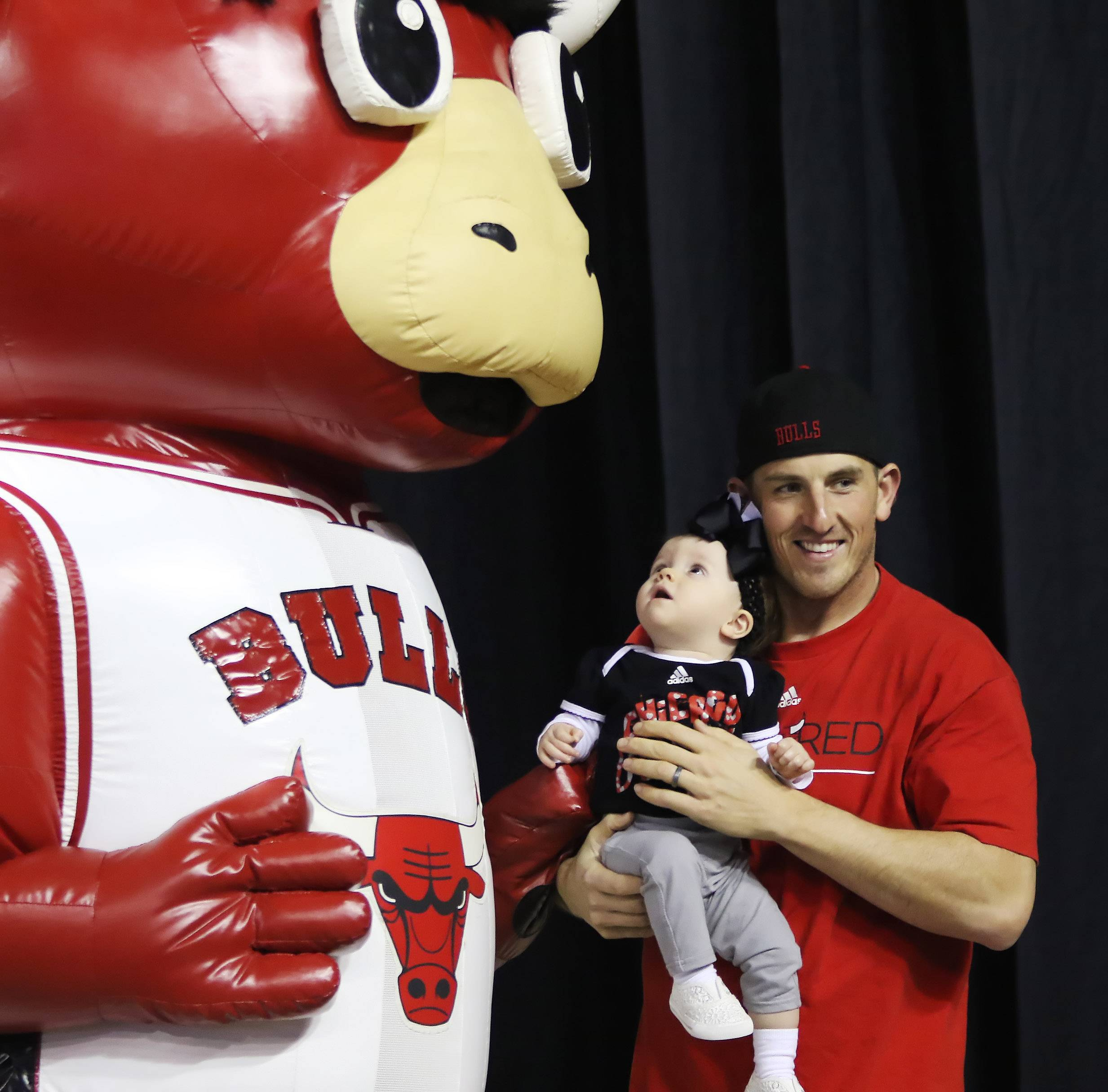 Windy City Bulls a hit at Sears Centre fan festival