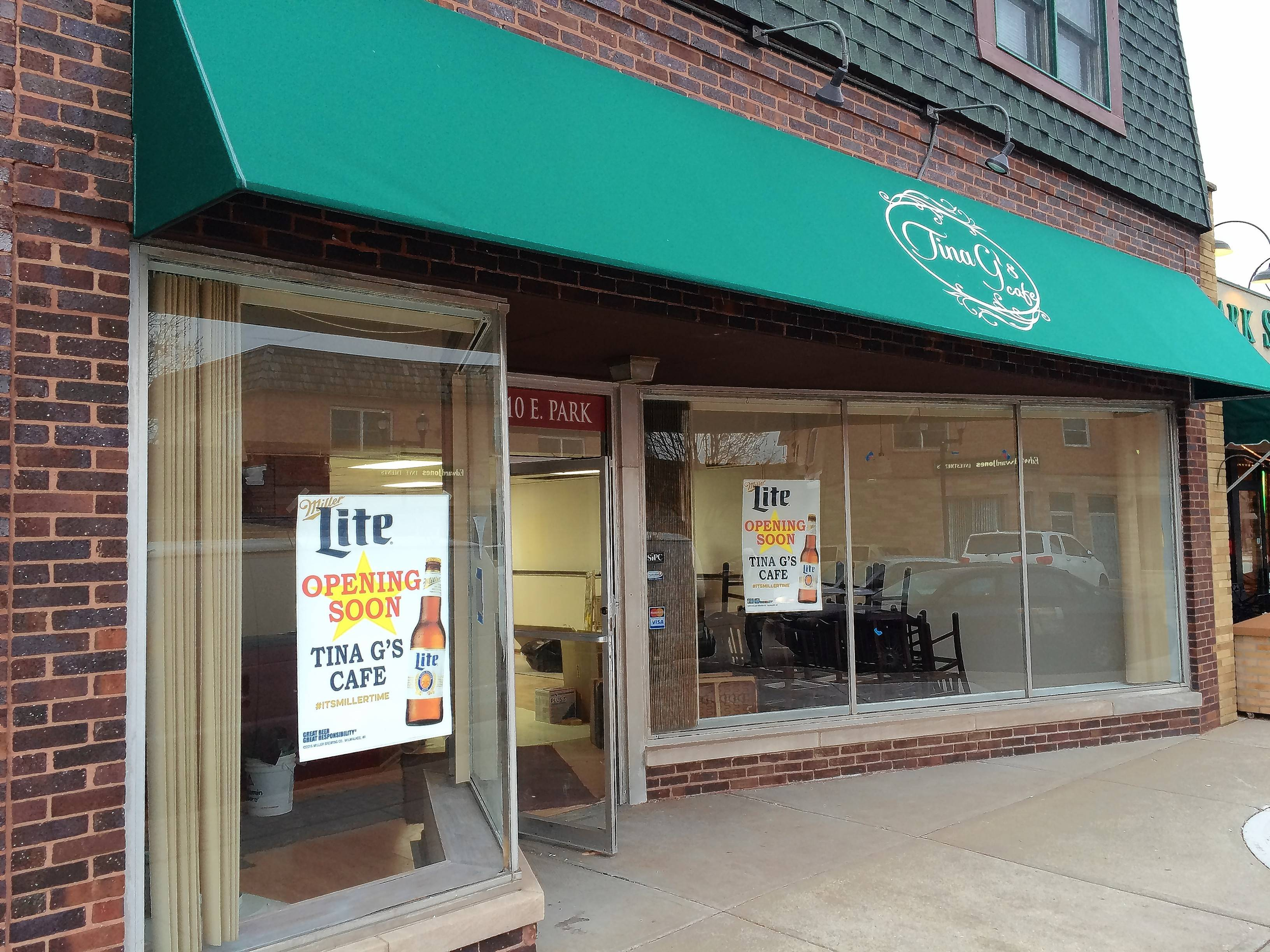 Restaurant, medical-supply store get Mundelein grants