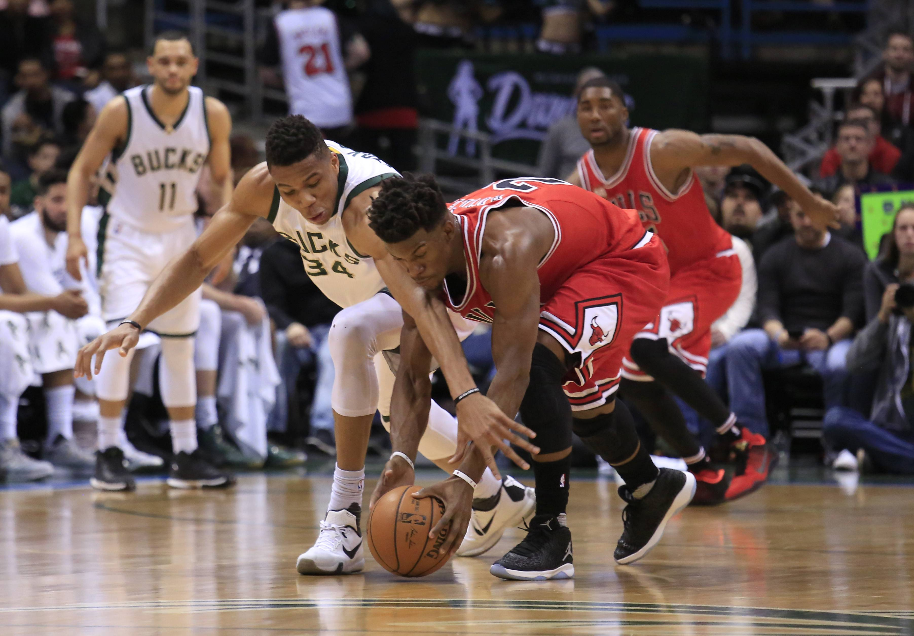 Butler's accuracy leads Chicago Bulls over Bucks