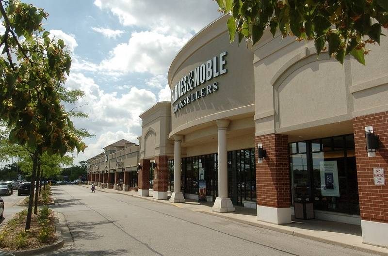 Barnes & Noble to close Arlington Heights store May 28
