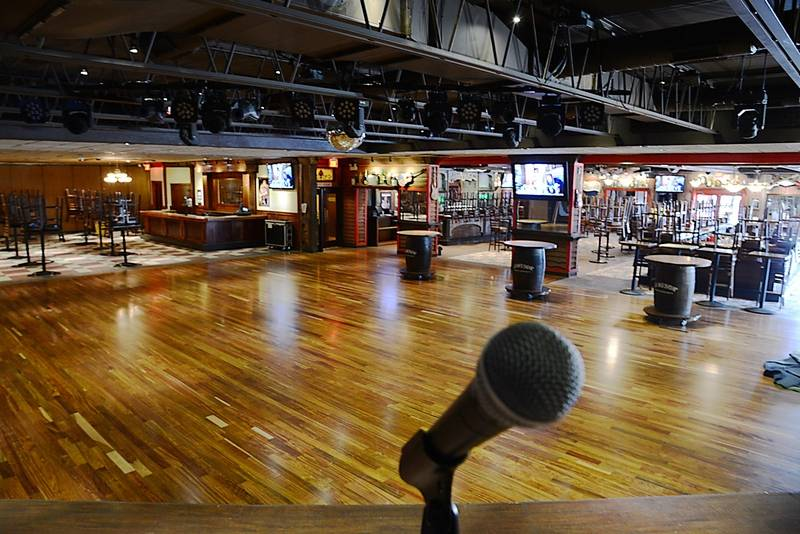 Lucky star to open in ex cadillac ranch saturday in bartlett for Lucky 4 ranch floor plan