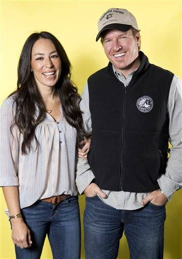 hgtv 39 s 39 fixer upper 39 is must see tv for its growing fan base. Black Bedroom Furniture Sets. Home Design Ideas