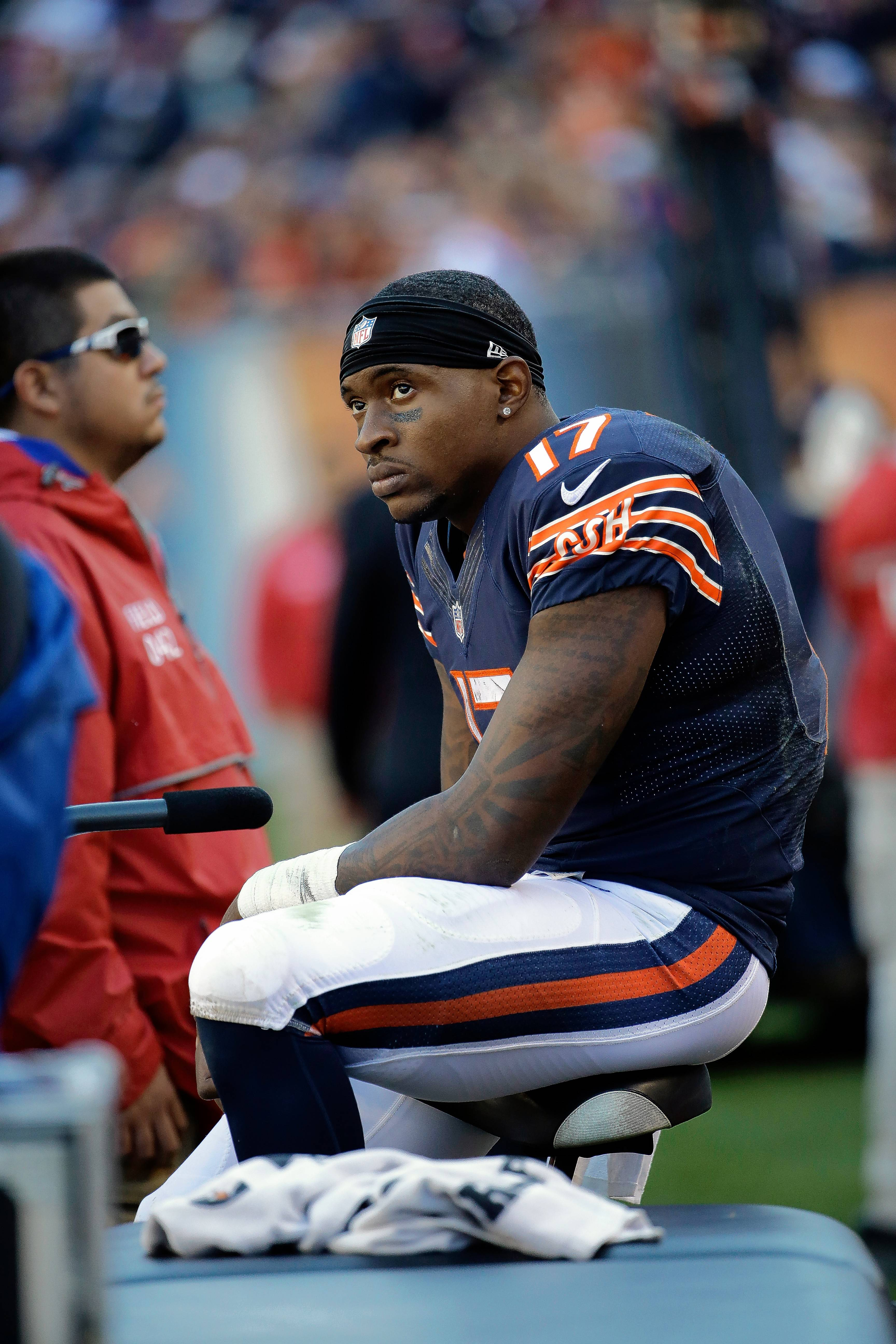 While many of his teammates attend the voluntary training programs at Halas Hall, Bears wide receiver Alshon Jeffery is working out in Florida.