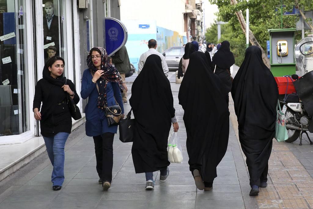 Wonderful Maryam Rahmanian  Defying The Dress Code 3