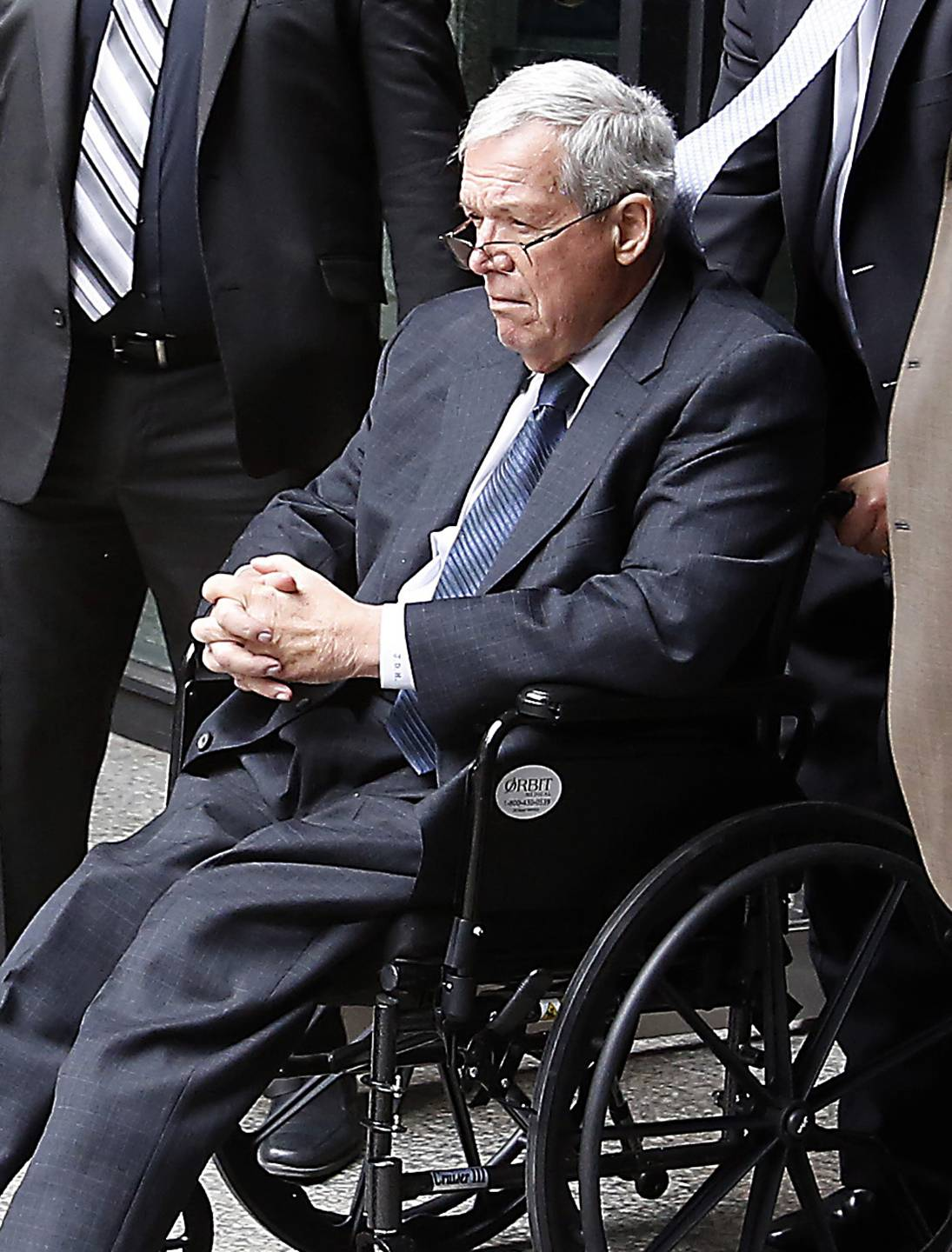 Hastert's state lawmaker pension checks continue, for now
