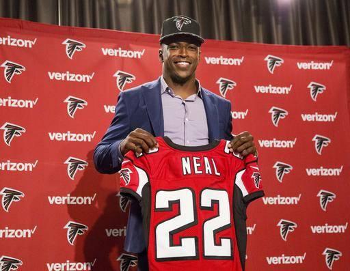 Falcons Linebacker Deion Jones