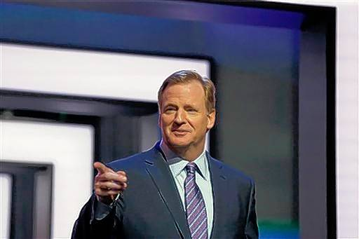 Bears fans did an excellent job welcoming Roger Goodell to Chicago for the NFL Draft. They showered him with boos every time he walked on stage for two full days.