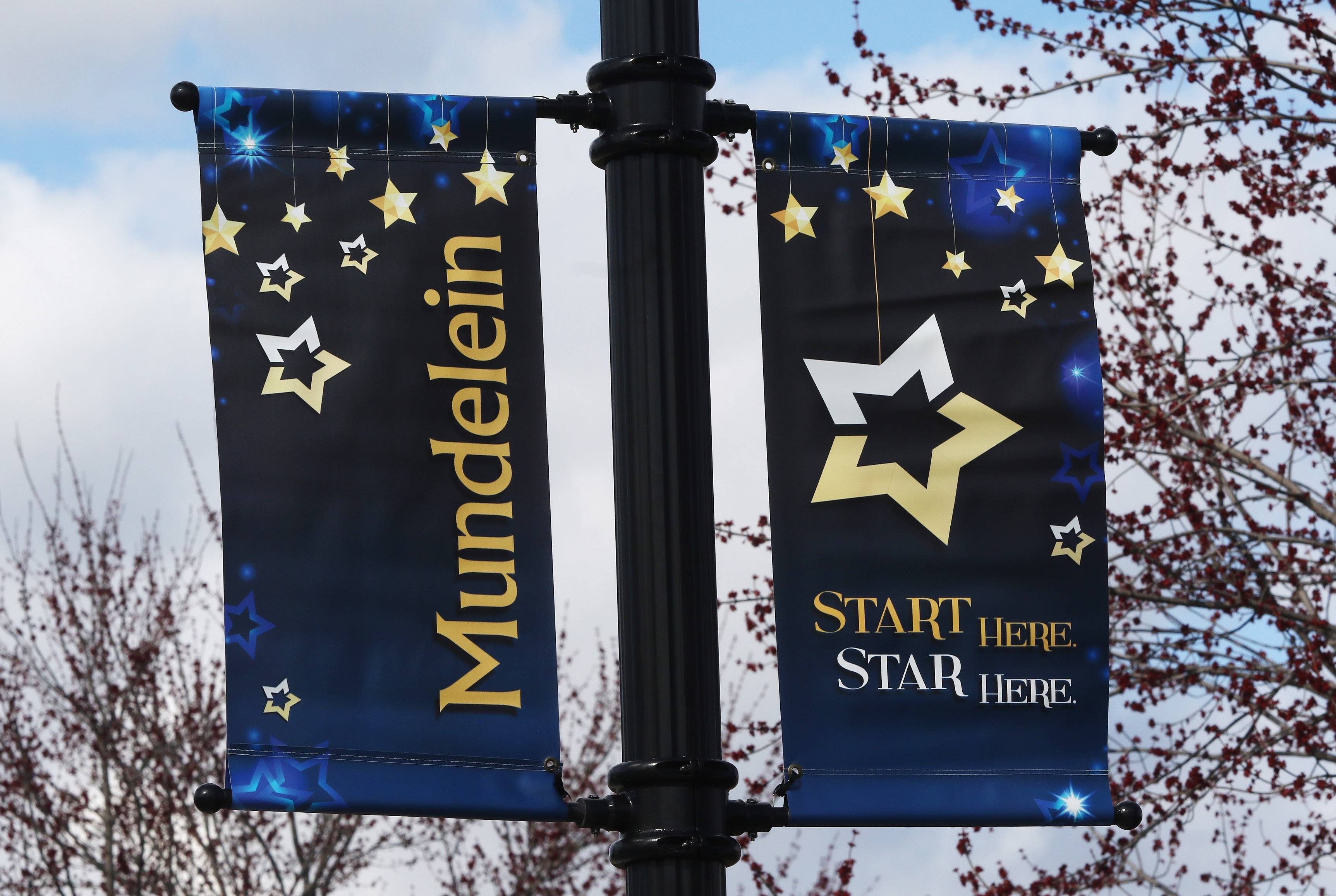 The banners fro Mundelein around the town of Mundelein.