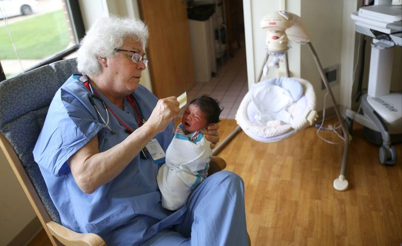 Constable: Vernon Hills nurse bathes in newborns\' success
