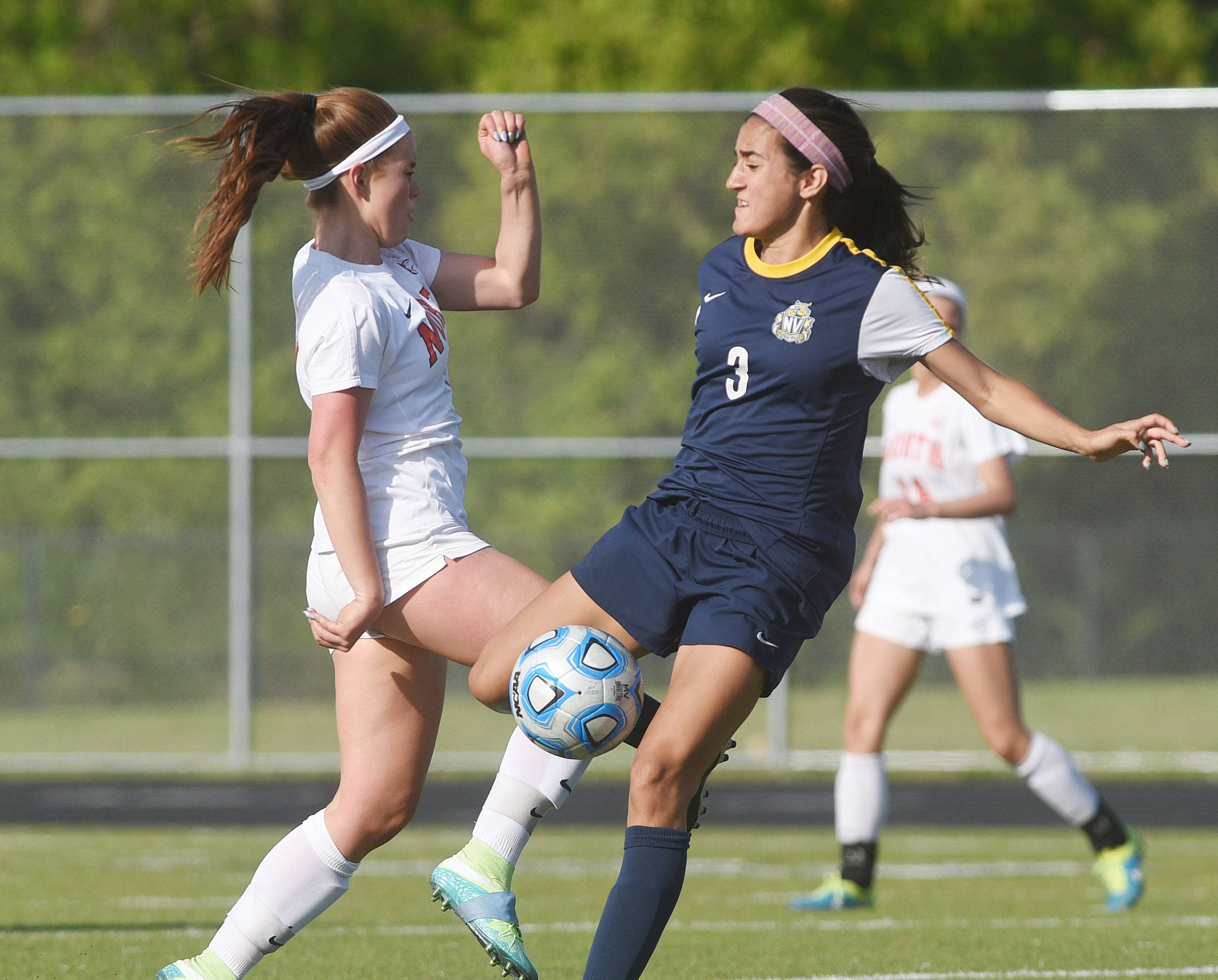Girls soccer: Top-ranked Naperville North eludes Neuqua Valley