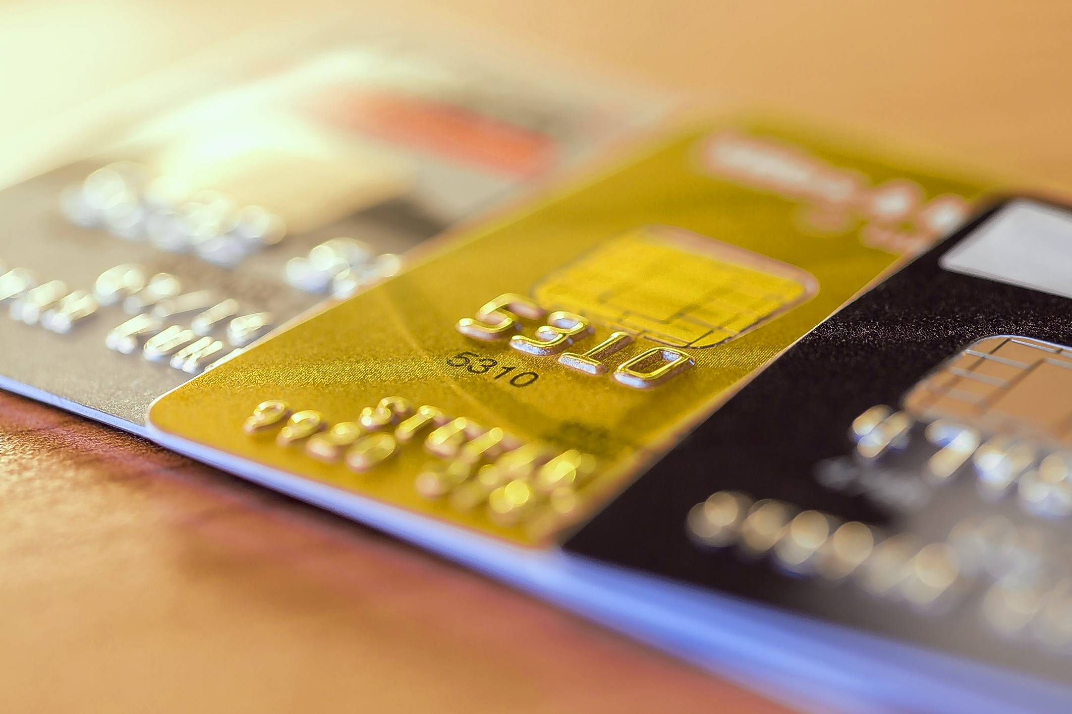 Sometimes a credit card can come in handy. When workers lose their jobs, a new study found, a higher credit limit allows them to take longer to find a new one.