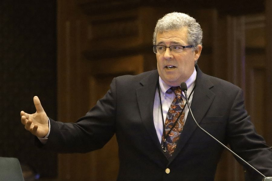 Illinois Auditor General Frank Mautino is facing increased scrutiny over campaign spending.
