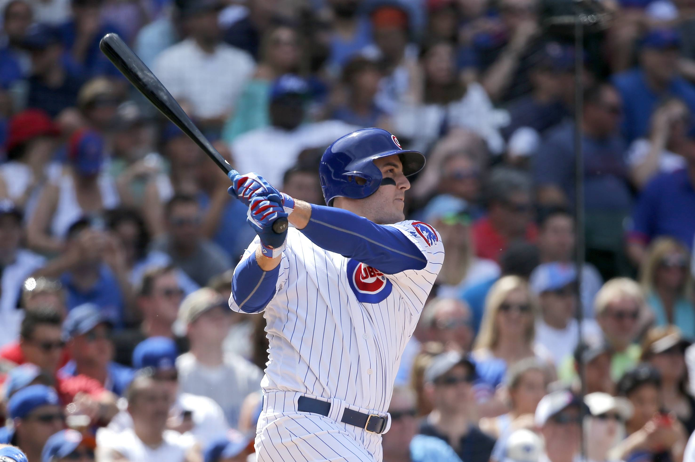 Hendricks almost goes the distance again in Cubs' 7-2 win