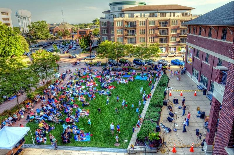Enjoy free concerts in downtown Mount Prospect